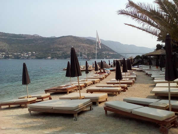 You can rent sunbeds and umbrellas on the beach
