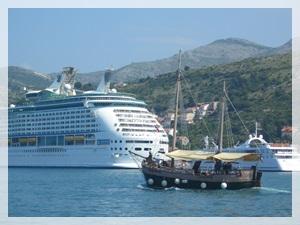 Gruz ferry & cruise port