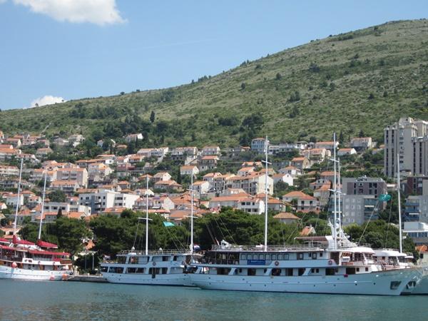 Boats in Gruz port
