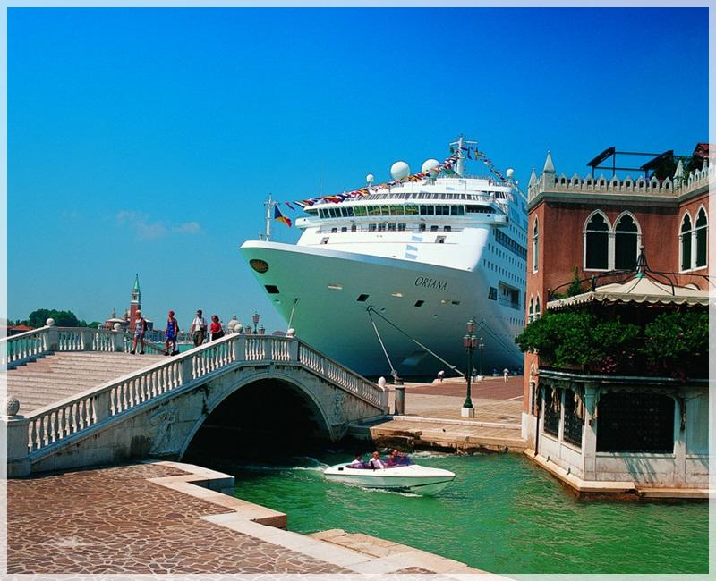 P&O's Oriana docked in Venice