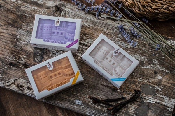 Natural soaps with scents of vanilla and coconut & lavender & citrus