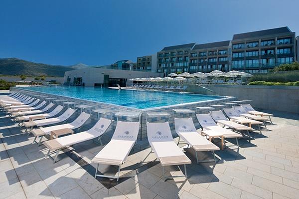 4-star Valamar Lacroma Hotel