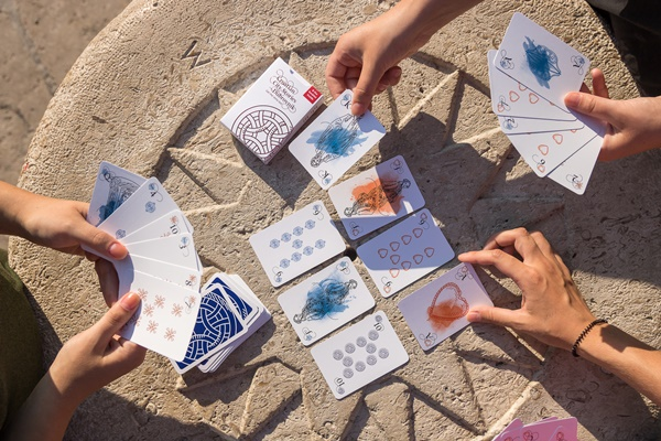 Illustrated playing cards with motifs from Dubrovnik history