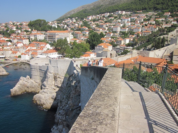 Walk the city walls for free with Dubrovnik card
