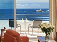 5-star Royal Palm Hotel