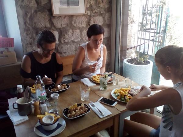 Peppers Eatery Restaurant