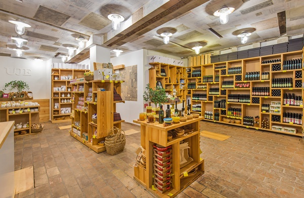Oleoteca Uje offers a range of Croatian olive oils and other local delicacies